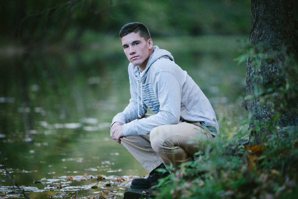 tanner-GLHS-senior-portraits-on-location-15